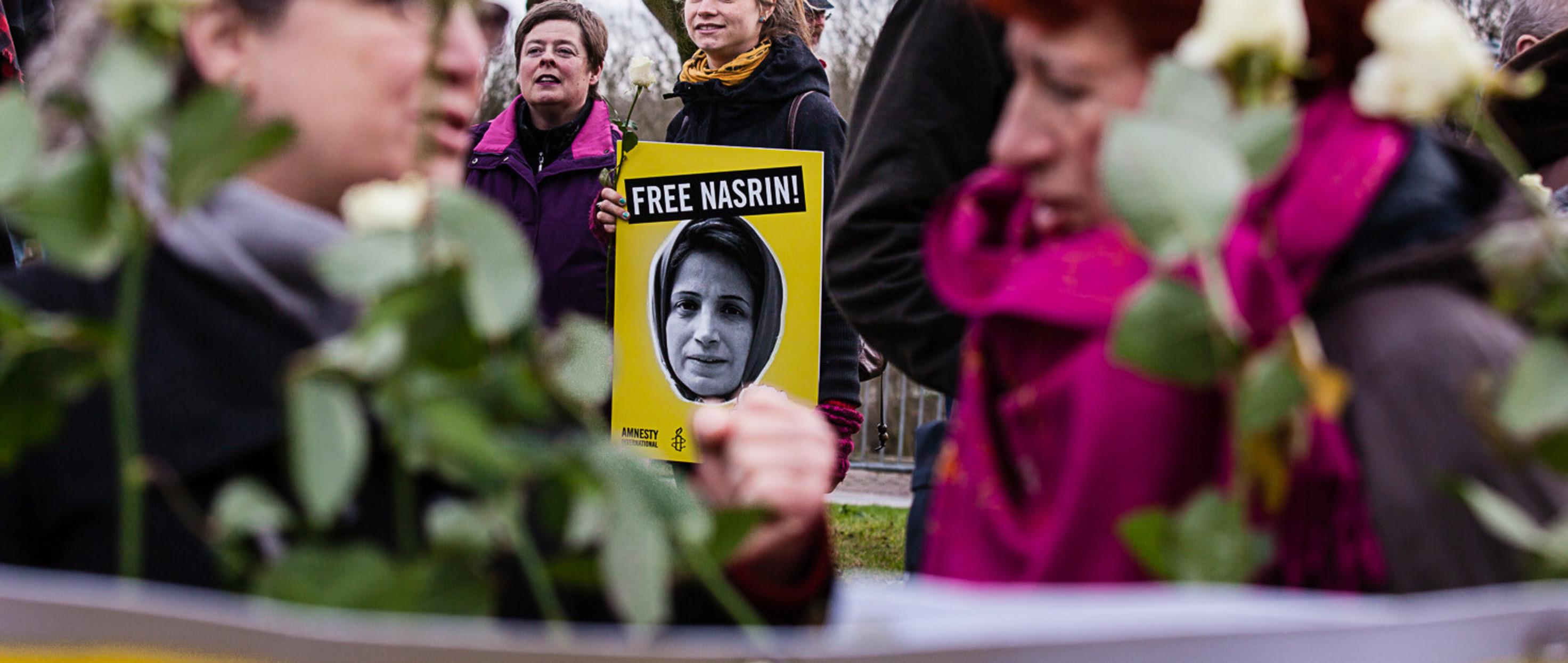 Manifestación por la libertad de Nasrin Sotoudeh ante la embajada iraní en La Haya